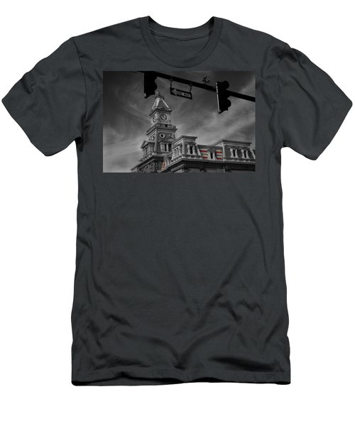 Zanesville Oh Courthouse Men's T-Shirt (Athletic Fit)