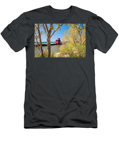 Holland Mi Lighthouse Men's T-Shirt (Athletic Fit)