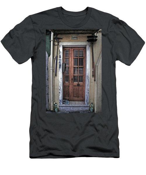 Old Italian Door Men's T-Shirt (Athletic Fit)