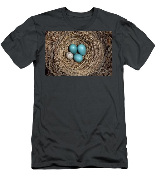 Robins Nest And Cowbird Egg Men's T-Shirt (Athletic Fit)