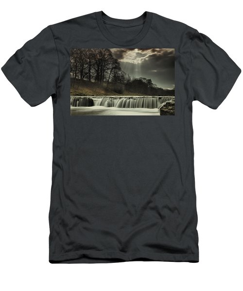 Aysgarth Falls Yorkshire England Men's T-Shirt (Athletic Fit)