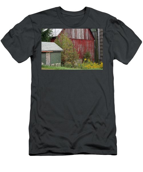 Barn Buildings Men's T-Shirt (Athletic Fit)