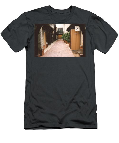 Biltmore Winery Men's T-Shirt (Athletic Fit)
