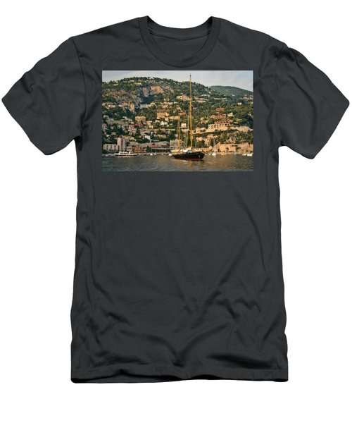 Black Sailboat Men's T-Shirt (Athletic Fit)