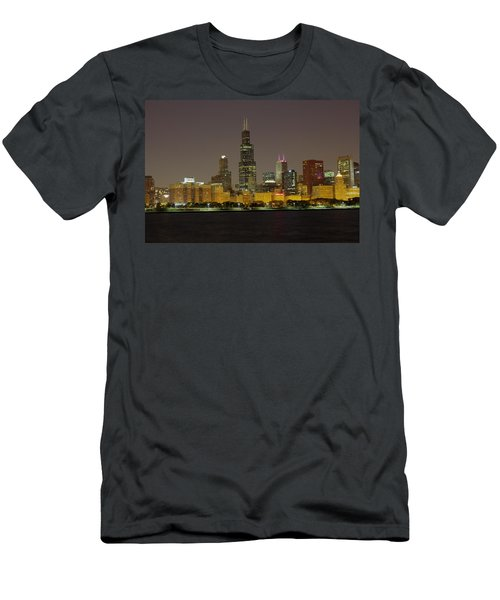 Chicago Night Skyline Men's T-Shirt (Athletic Fit)
