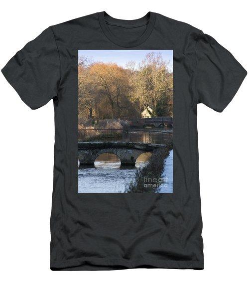 Cotswold River Scene Men's T-Shirt (Athletic Fit)