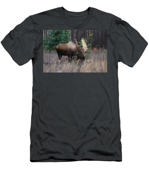 Men's T-Shirt (Slim Fit) featuring the photograph Feeding by Doug Lloyd