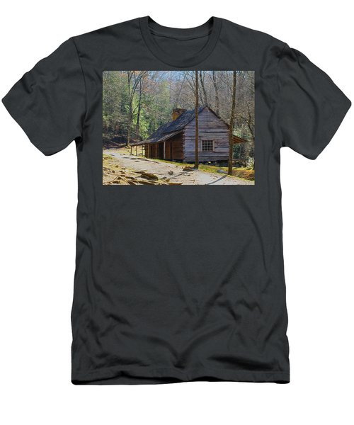 Historic Cabin On Roaring Fork Motor Trail In Gatlinburg Tennessee  Men's T-Shirt (Athletic Fit)