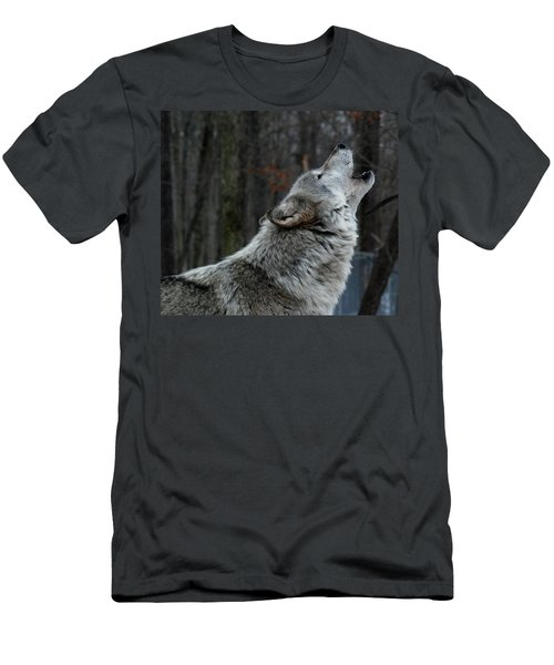Howling Tundra Wolf Men's T-Shirt (Athletic Fit)