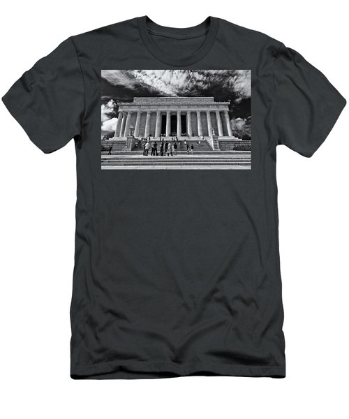 Lincoln Memorial In Black And White Men's T-Shirt (Athletic Fit)
