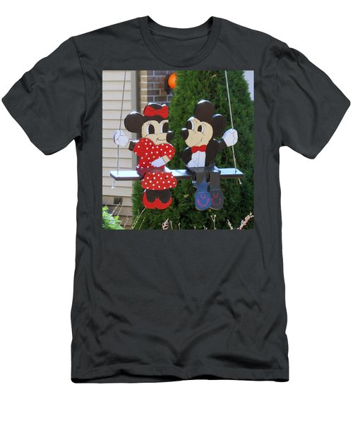 Mickey And Minnie Mouse Men's T-Shirt (Athletic Fit)