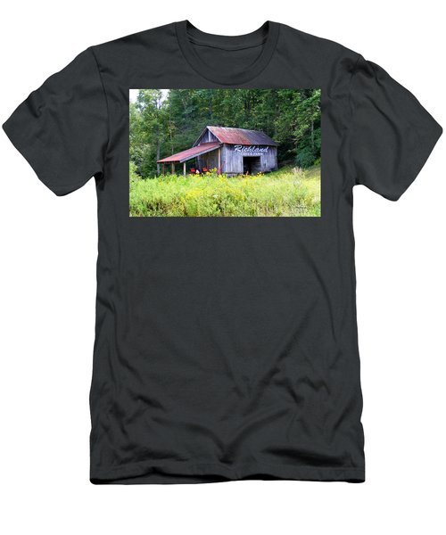 Old Barn Near Silversteen Road Men's T-Shirt (Athletic Fit)