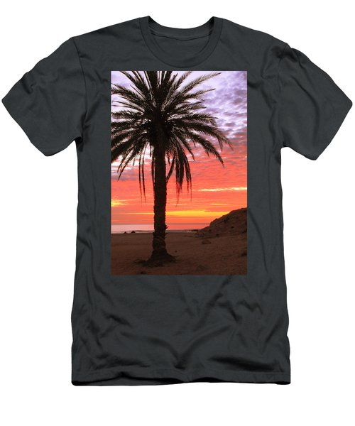 Palm Tree And Dawn Sky Men's T-Shirt (Athletic Fit)