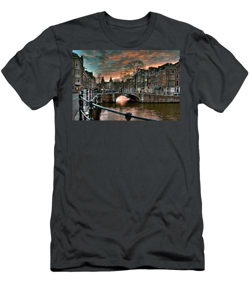 Prinsengracht And Reguliersgracht. Amsterdam Men's T-Shirt (Athletic Fit)
