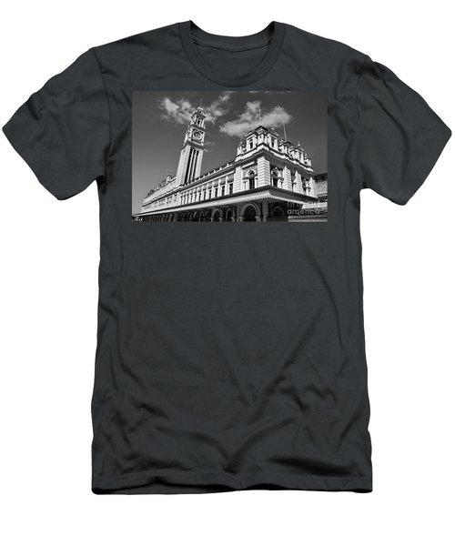 Sao Paulo - Estacao Da Luz Men's T-Shirt (Athletic Fit)