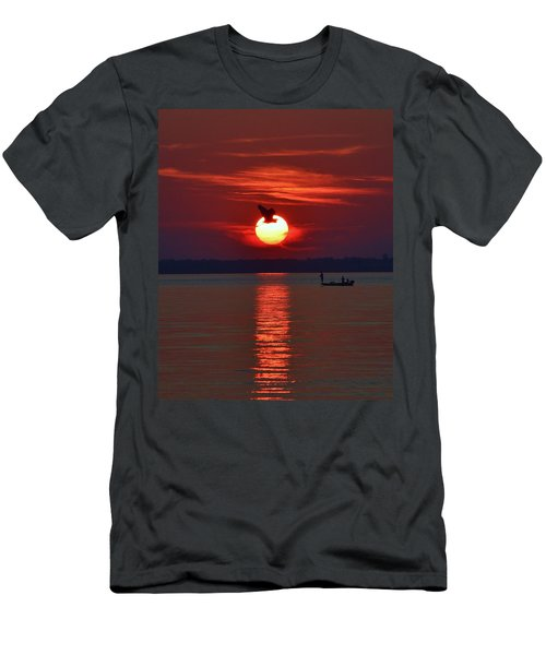 Sunset Fishing Men's T-Shirt (Athletic Fit)