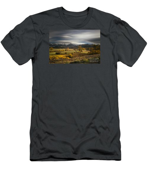 The Dallas Divide Men's T-Shirt (Athletic Fit)