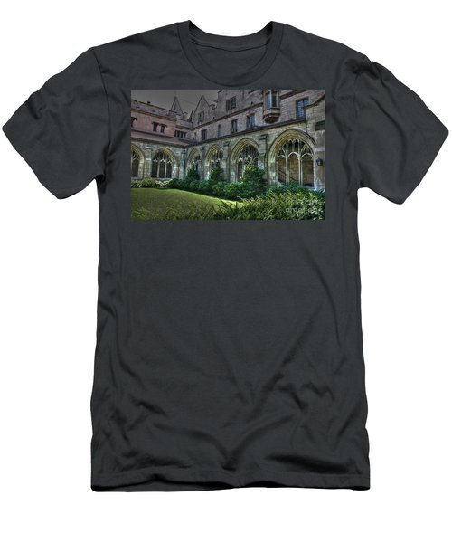 U Of C Grounds Men's T-Shirt (Athletic Fit)