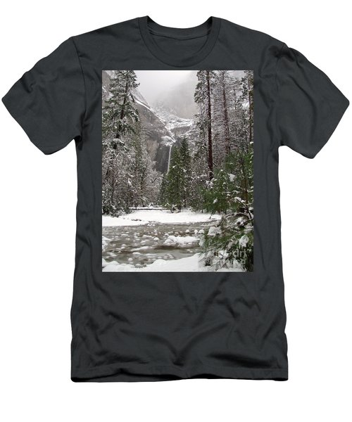 Wonderland Yosemite Men's T-Shirt (Athletic Fit)