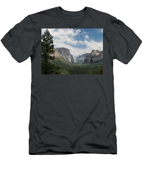 Yosemite Valley From Tunnel View At Yosemite Np Men's T-Shirt (Athletic Fit)