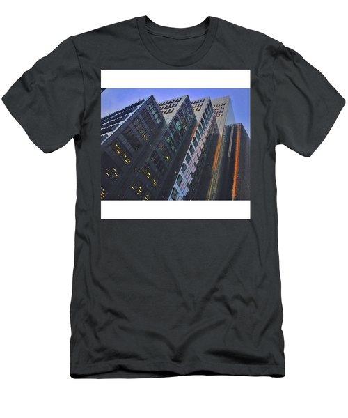 • Looking Sharp London Men's T-Shirt (Athletic Fit)