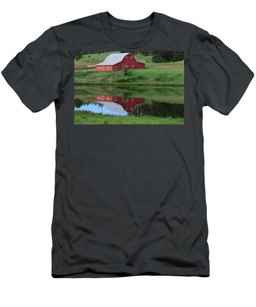 Red Barn Burgess Res Divide Co Men's T-Shirt (Athletic Fit)