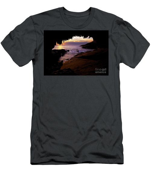 Admiral's  Arch Sunset Men's T-Shirt (Athletic Fit)