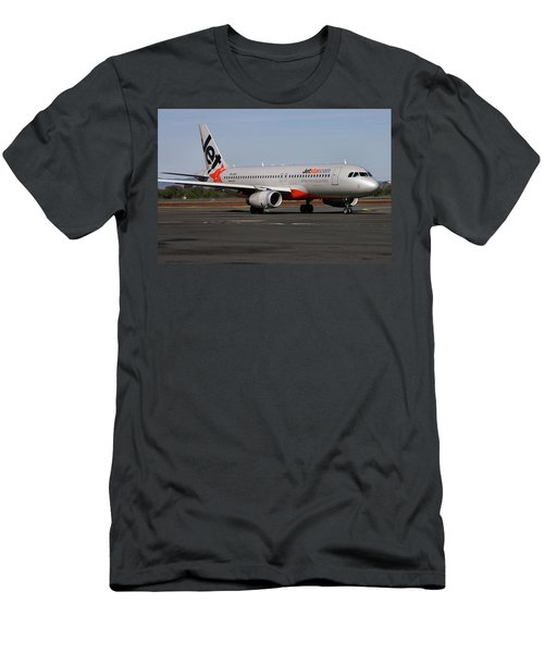 Airbus A320-232 Men's T-Shirt (Athletic Fit)