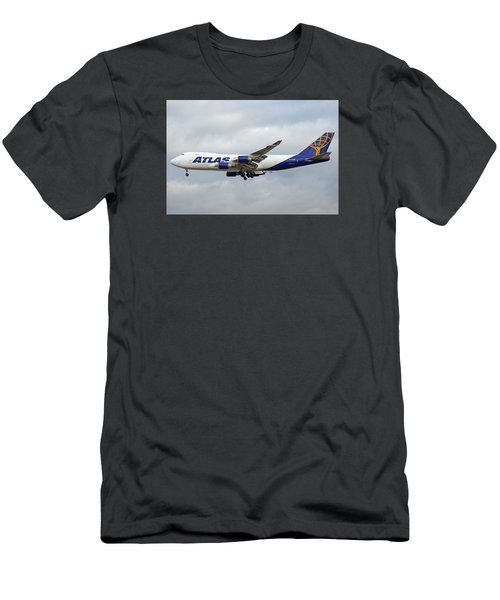Atlas Air Boeing 747-47uf N415mc Phoenix Sky Harbor December 23 2015 Men's T-Shirt (Slim Fit)