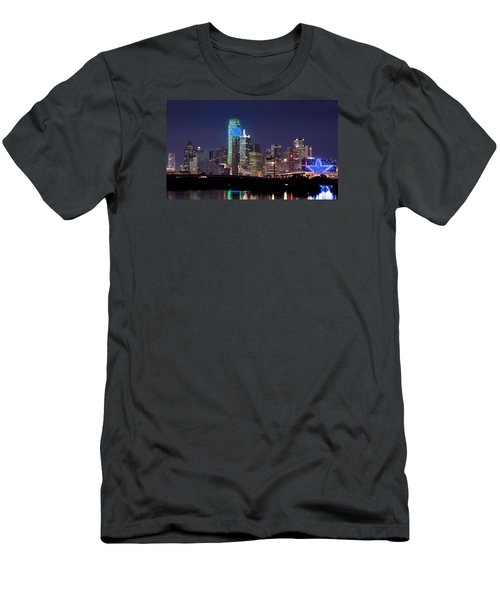 Dallas Skyline Cowboys Men's T-Shirt (Athletic Fit)