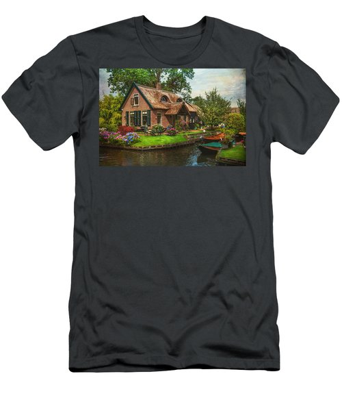 Fairytale House. Giethoorn. Venice Of The North Men's T-Shirt (Athletic Fit)