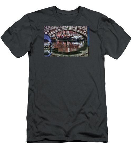 Framed Gondolas Men's T-Shirt (Slim Fit)