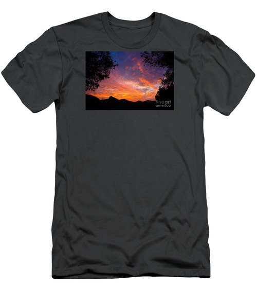 Framed Sunrise Men's T-Shirt (Athletic Fit)