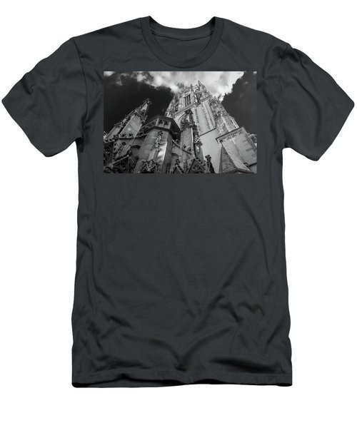 Frankfurt Cathedral Men's T-Shirt (Athletic Fit)