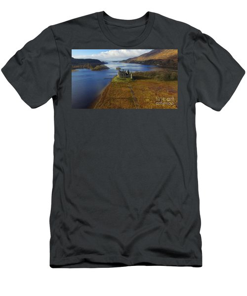 Kilchurn Castle Men's T-Shirt (Athletic Fit)