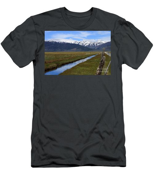 Mono County Nevada Men's T-Shirt (Athletic Fit)