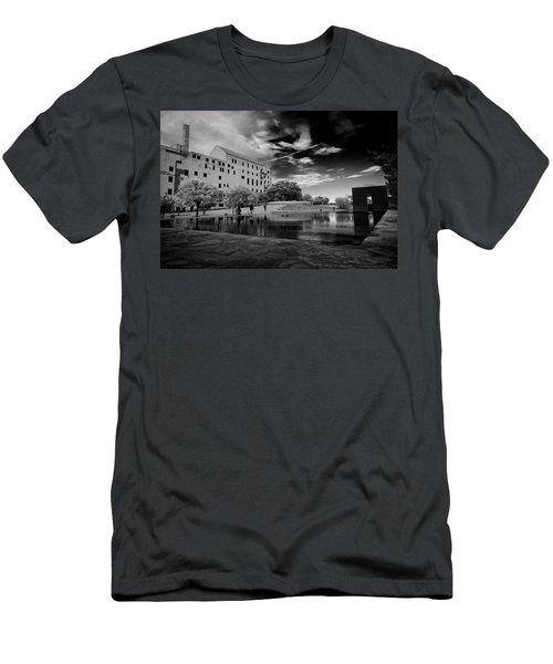 Okc Memorial Men's T-Shirt (Slim Fit)