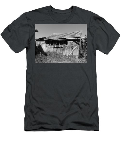 Old Workshop Men's T-Shirt (Athletic Fit)