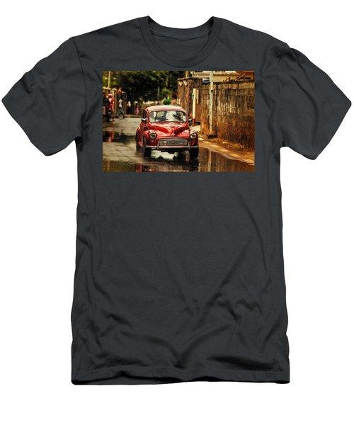 Red Retromobile. Morris Minor Men's T-Shirt (Athletic Fit)