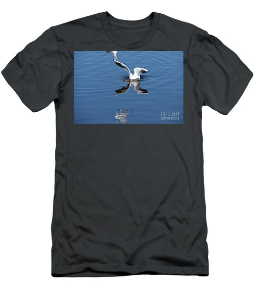 Seagull Fishing Men's T-Shirt (Athletic Fit)