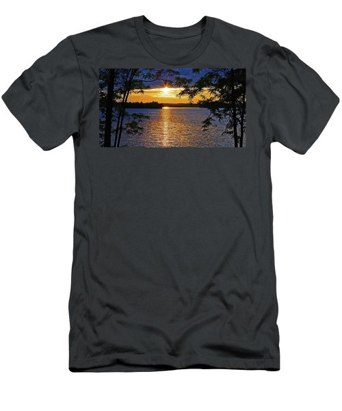 Smith Mountain Lake Summer Sunet Men's T-Shirt (Athletic Fit)