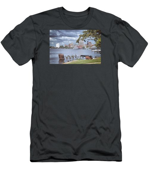 Wilmington Riverfront Men's T-Shirt (Athletic Fit)