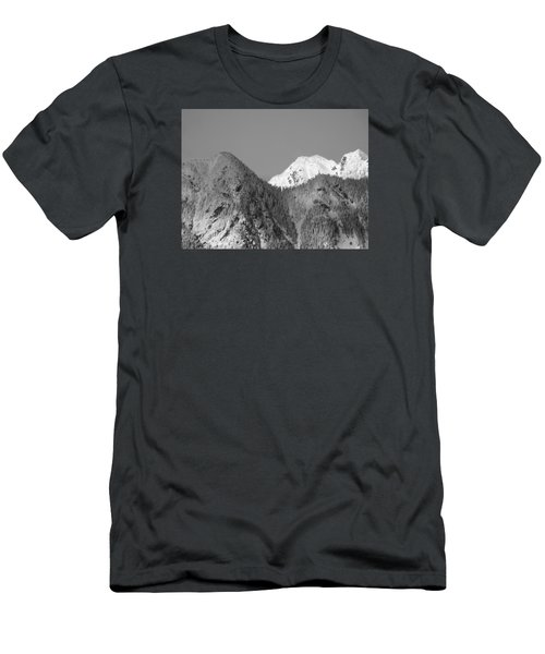 Winter Delight Men's T-Shirt (Slim Fit)