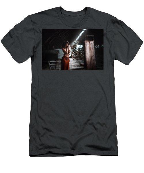 Giulia Men's T-Shirt (Athletic Fit)