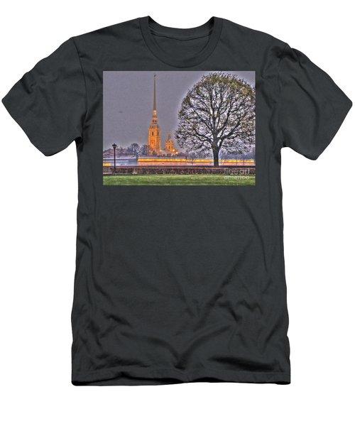 Peterburg Russia Men's T-Shirt (Athletic Fit)
