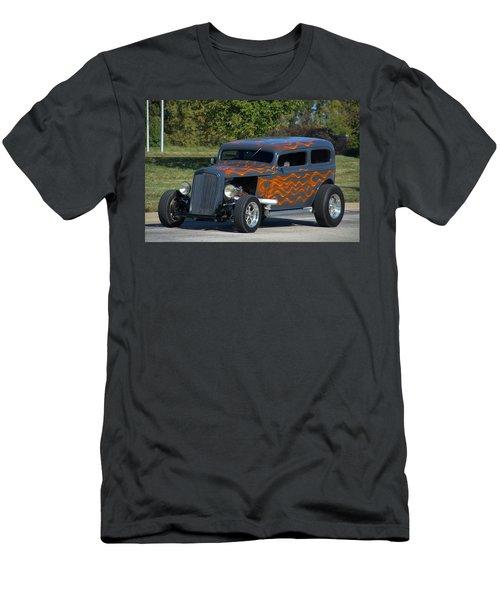 1933 Ford Sedan Hot Rod Men's T-Shirt (Athletic Fit)