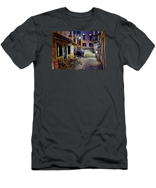 An Evening In Venice Men's T-Shirt (Slim Fit) by Frozen in Time Fine Art Photography