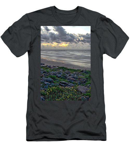 Galveston Sunrise Men's T-Shirt (Athletic Fit)