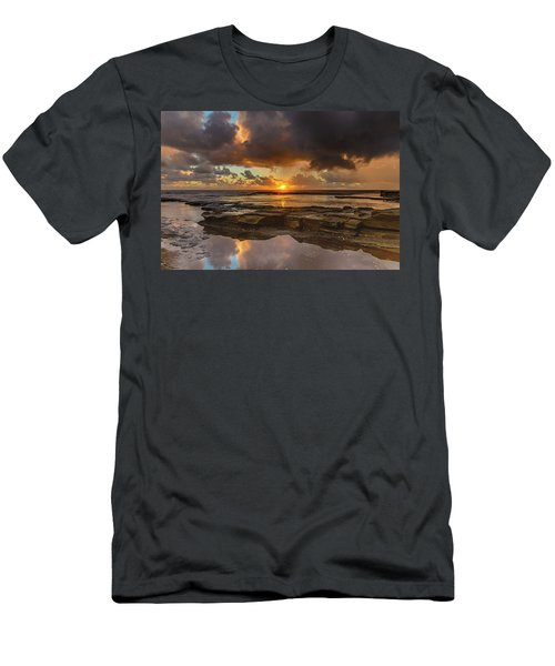 Overcast And Cloudy Sunrise Seascape Men's T-Shirt (Athletic Fit)