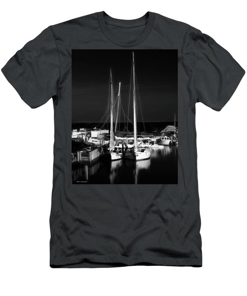 Skipjack Races Bw Men's T-Shirt (Athletic Fit)